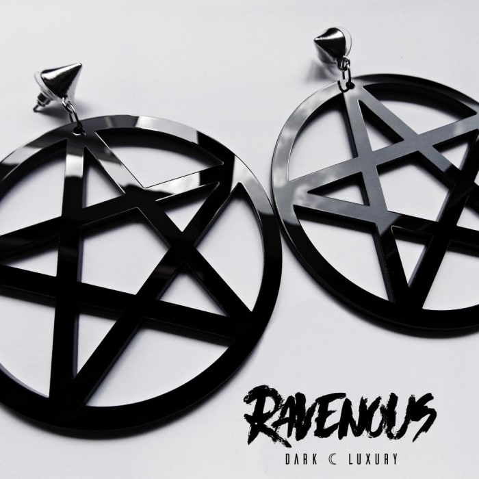 Maxi Brinco Pentagram - Normal ou Invertido (0)